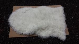 Peau fourrure blanche